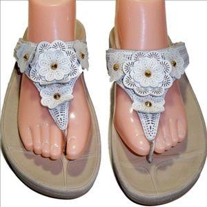FitFlop White Leather Floral Sandal Slide Sz. 9